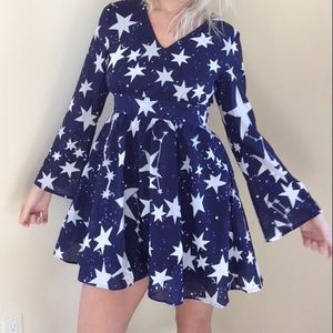 Nwot star signs bell sleeve navy print dress m